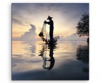 Arbeiterfotografie – Fischer bei Tageseinbruch mit Netz auf Leinwand
