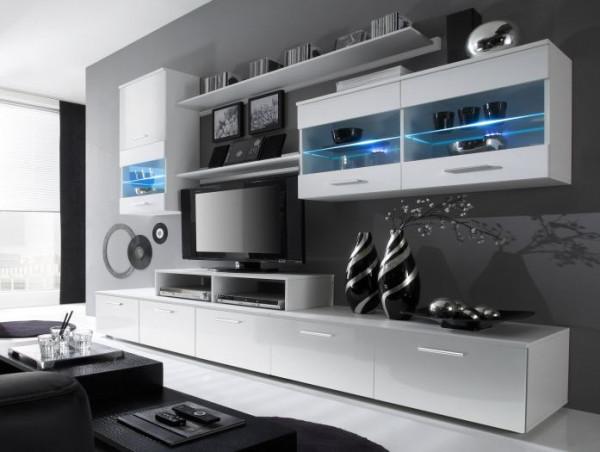 Wohnwand Logo Weiß mit Hochglanzfronten inklusive LED mit zwei Hängevitrinen, zwei TV- Unterschränke