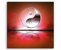 Naturfotografie – Yin und Yang Zeichen mit roten Hintergrund auf Leinwand