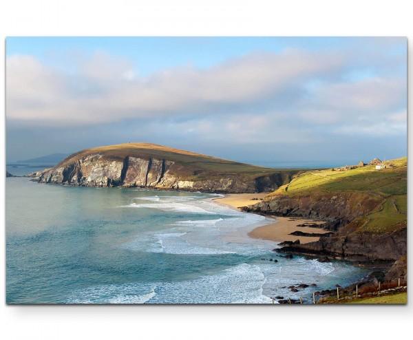 Landschaftsfotografie – idyllischer Strand und Felsküste - Leinwandbild