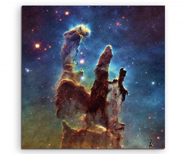 Künstlerische Fotografie – Leuchtende Galaxie auf Leinwand