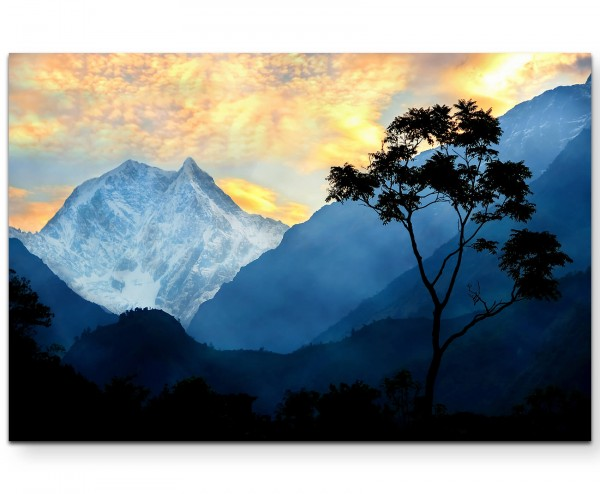 einsamer Baum am Himalaya, Nepal - Leinwandbild