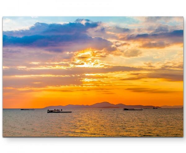 Wunderschöner Sonnenaufgang am Meer - Leinwandbild