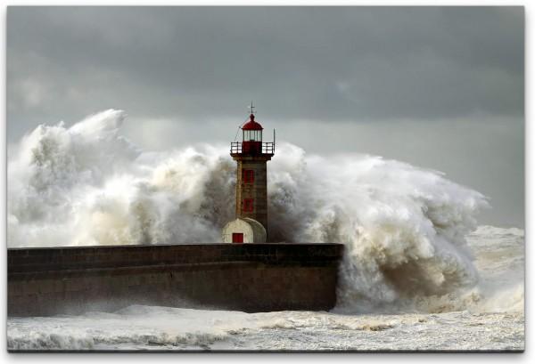 Leuchtturm im Meer Wandbild in verschiedenen Größen
