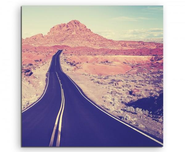 Landschaftsfotografie – Autobahn in Berglandschaft, USA auf Leinwand
