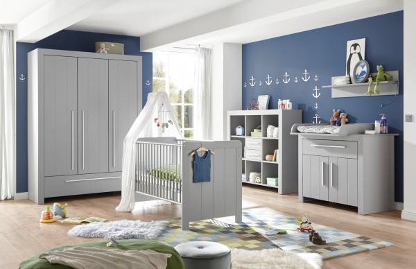 Babyzimmer Nikola 6 teilig in Arktisgrau komplett von Begabino mit Kleiderschrank, Babybett, Wickelkommode, Umbauseiten, Regal und Wandboard