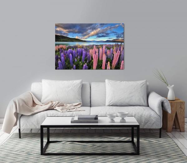 Blumen am See Wandbild in verschiedenen Größen