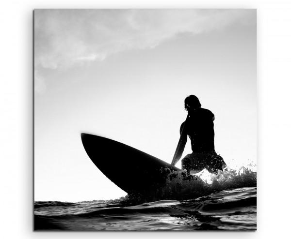 Künstlerische Fotografie – Surfer beim Wellenreiten auf Leinwand