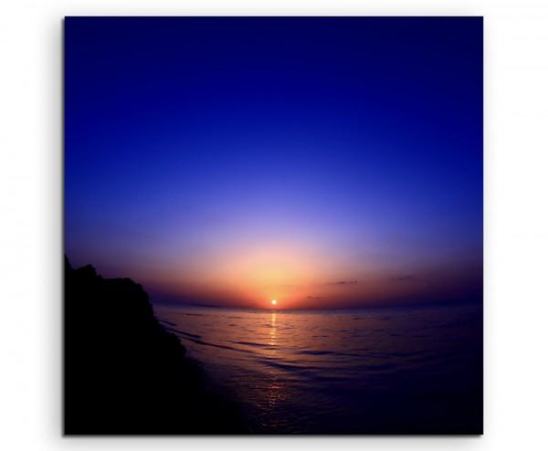 Landschaftsfotografie – Sonnenaufgang am dunklen Himmel auf Leinwand