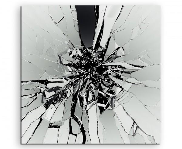 Künstlerische Fotografie – Zebrochenes Glas auf schwarzem Grund auf Leinwand