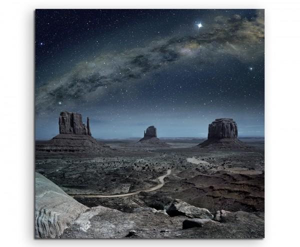 Landschaftsfotografie – Milchstraße über Monument Valley auf Leinwand exklusives Wandbild moderne F