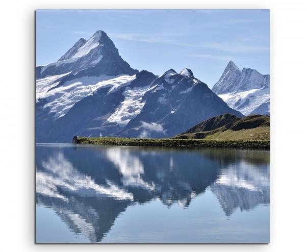 Landschaftsfotografie – See mit Gebirge, Schweiz auf Leinwand