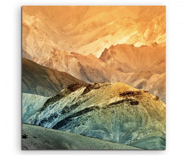 Landschaftsfotografie – Farbenfrohe Berglandschaft, Indien auf Leinwand
