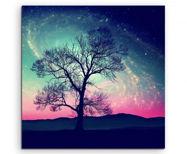 Künstlerische Fotografie – Baumsilhouette vor Milchstraße auf Leinwand