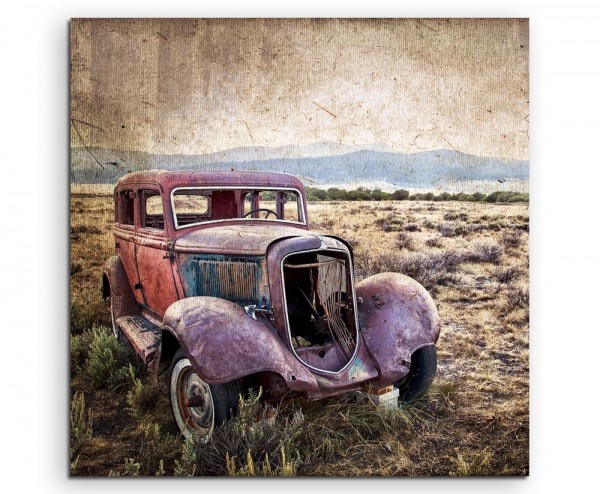 Künstlerische Fotografie – Oldtimer in der Steppe auf Leinwand