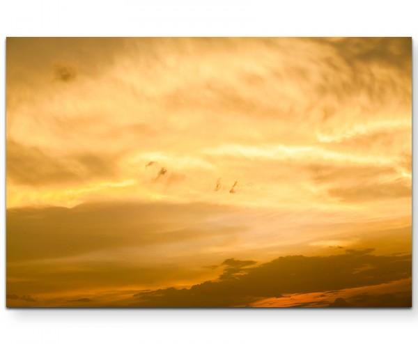 bewölkter Himmel bei Abenddämmerung - Leinwandbild