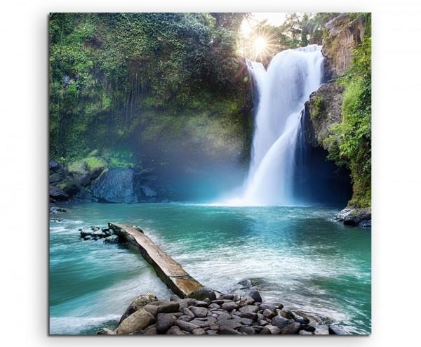Landschaftsfotografie – Wasserfall im Regenwald auf Leinwand