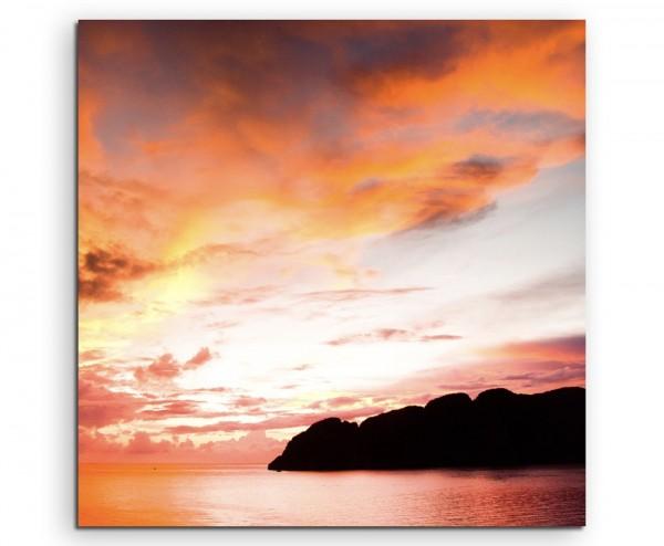 Landschaftsfotografie – Sonnenstrahlen über dem Meer auf Leinwand