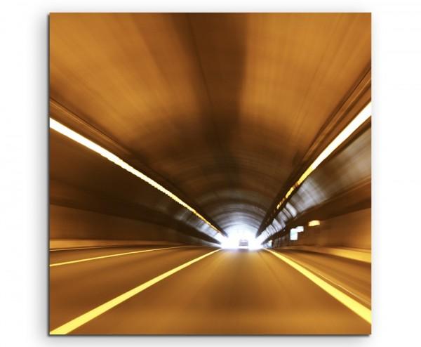 Urbane Fotografie - Dynamischer Autobahntunnel auf Leinwand