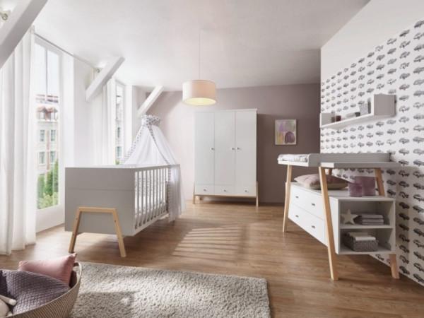 Babyzimmer Holly Nature in Weiß mit Fußgestellen in Altmühlbuche massiv von SCHARTD 6 teilig +++ von möbel-direkt+++ schnell und günstig