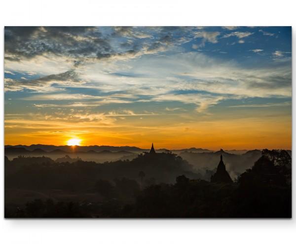 Sonnenuntergang Tempel Bagan in Mandalay, Myanmar - Leinwandbild