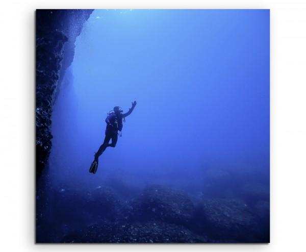 Naturfotografie – Taucher unter Wasser, Malta auf Leinwand