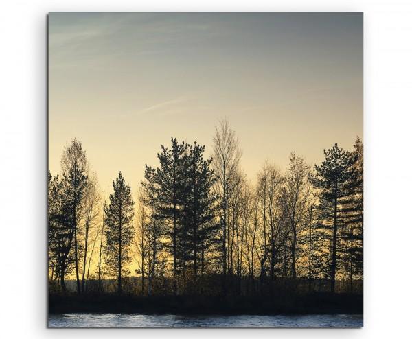 Landschaftsfotografie – Waldsilhouette am See auf Leinwand