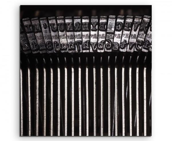 Künstlerische Fotografie - Schreibmaschine im Detail auf Leinwand