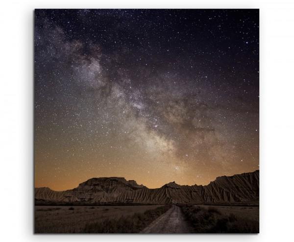 Landschaftsfotografie – Milchstraße über Bardenas, Spanien auf Leinwand