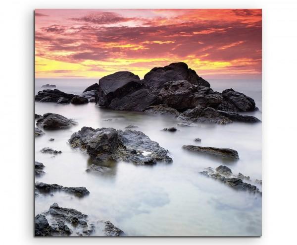 Landschaftsfotografie – Felsen in der Gischt auf Leinwand