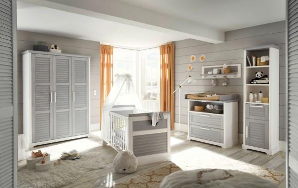 Babyzimmer Alma 5 teilig in Pinie Weiß und Pinie Grau MASSIV gewachst komplett von Begabino mit Kleiderschrank, Babybett, Wickelkommode, Regal und Wandboard