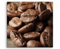 Food-Fotografie – Geröstete braune Kaffeebohnen auf Leinwand